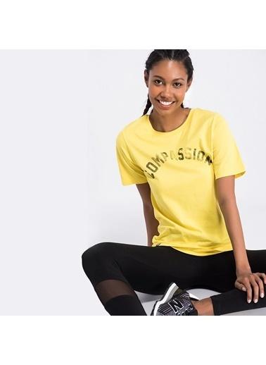 New Balance Tişört Sarı